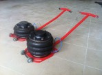 2 lépcsős pneumatikus légpárnás emelő felhajtható nyéllel (J2C)